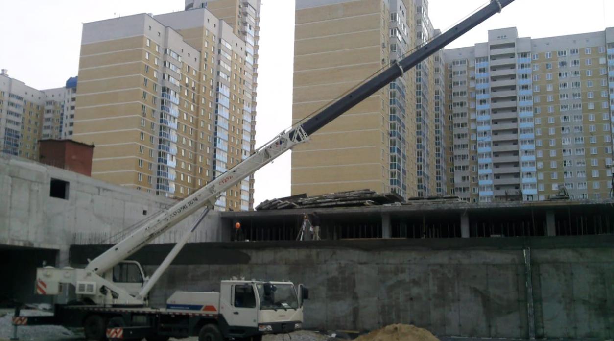 Автокран для строительного бизнеса, аренда или покупка.
