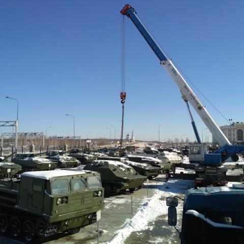 Аренда автокрана для музея военный техники УГМК