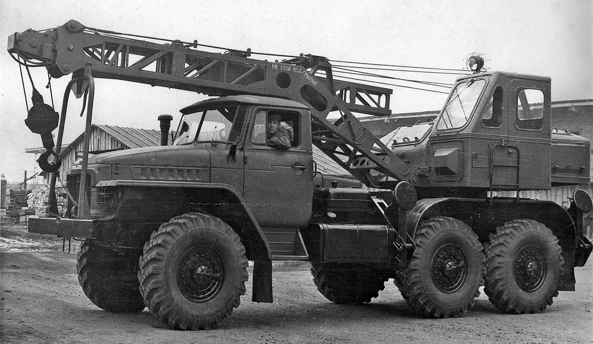 История отечественных автокранов