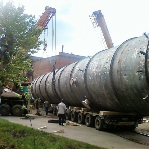 Разгрузка 4 автокранами емкость 80 тонн